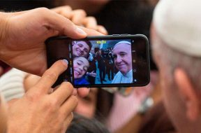 PapaFranciscoAudienciaTecnologia_VaticanMedia_02042019