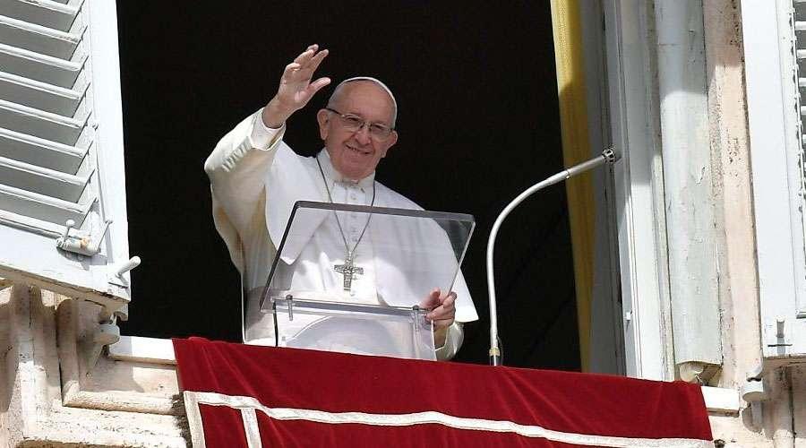 El Papa Francisco anima a acercarse a las llagas de Jesús, fuente de paz y misericordia
