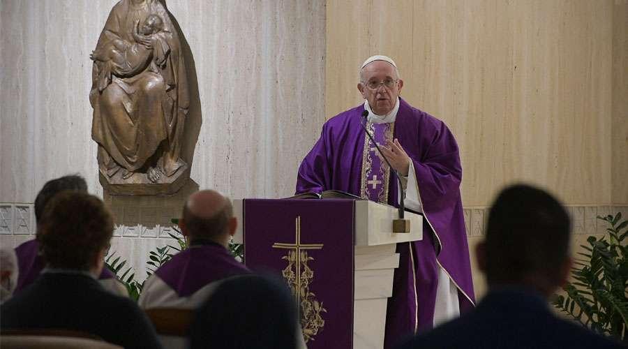 El Papa Francisco invita a los cristianos a hablar con Dios cara a cara