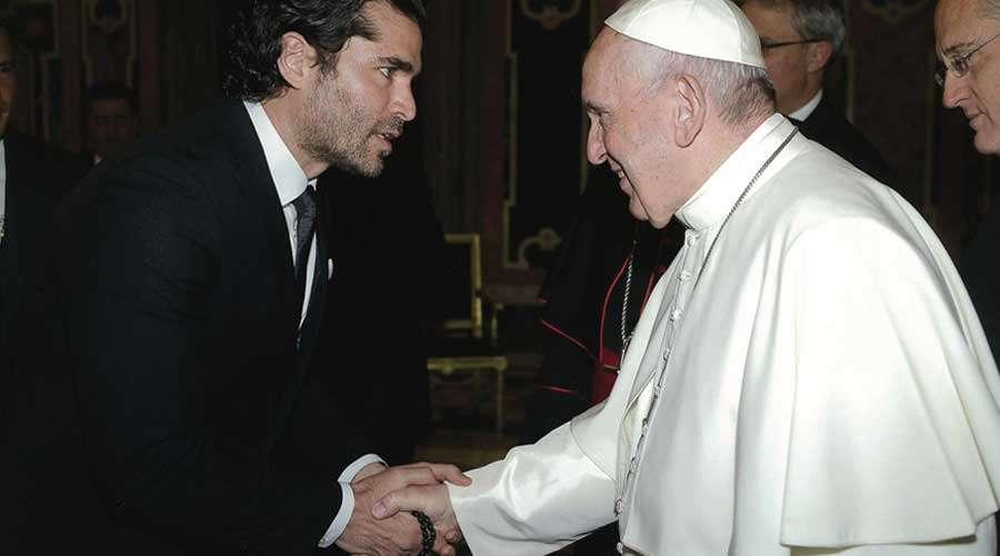 Eduardo Verástegui se reúne con el Papa Francisco y pide oraciones por nueva película