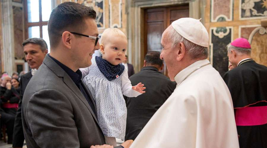 """Papa Francisco: """"Ningún ser humano es incompatible con la vida"""""""