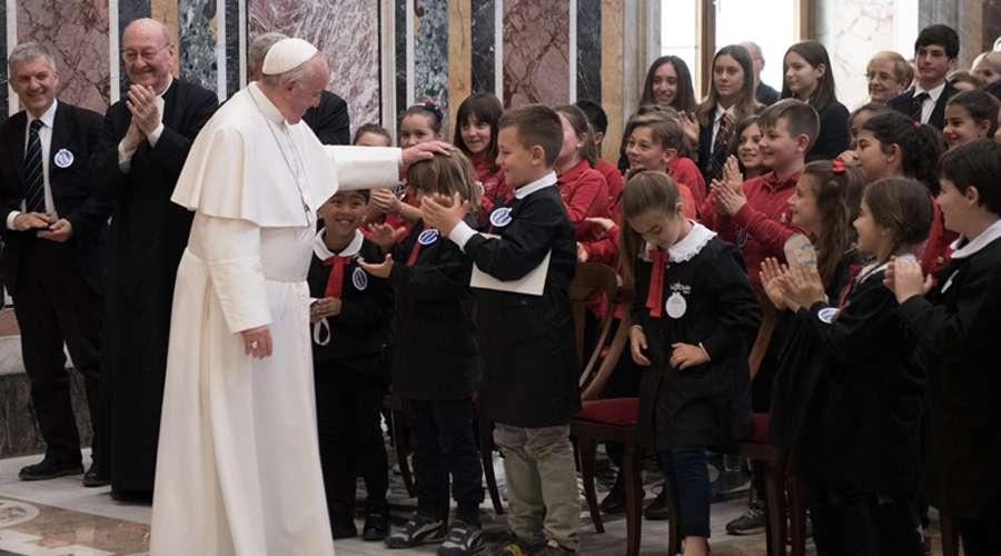 Papa Francisco destaca a San Juan Bautista de La Salle como pionero de la educación