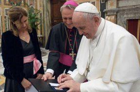 PapaFranciscoAudienciaStampaStera_180519_VaticanMedia