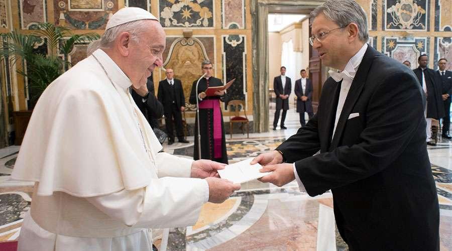 """Papa Francisco afirma que a pesar de las guerras """"la paz siempre es posible"""""""