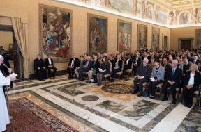 PapaFranciscoFEBA_180519_VaticanMedia