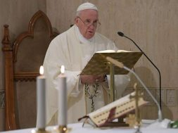 PapaFranciscoMisaSantaMarta_VaticanMedia_21052019