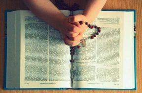 Rosary-Pixabay-13-05-19