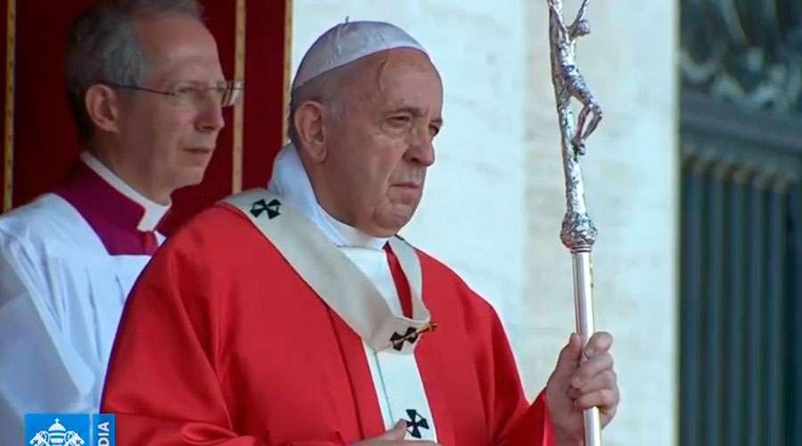 El Papa en vigilia de Pentecostés: Con el Espíritu escuchemos el grito de los hermanos