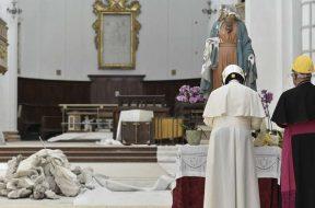 PapaFrancisco_CatedralCamerino_160619_VaticanMediaACI