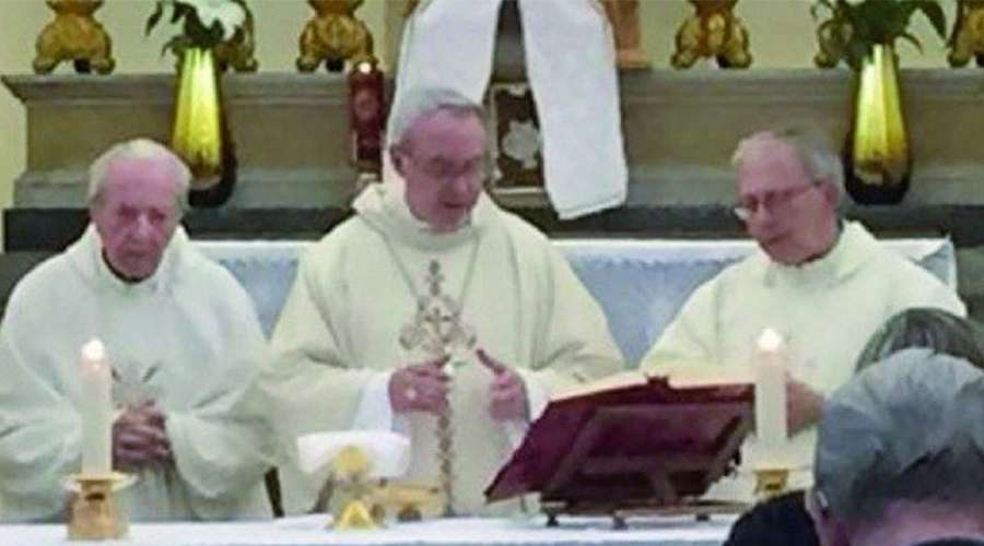 Quedó viudo, se entregó como sacerdote y hoy cumple 100 años
