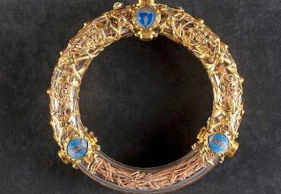 Reliquia de la Corona de Espinas, rescatada de Notre Dame, fue expuesta nuevamente a la veneración de los fieles
