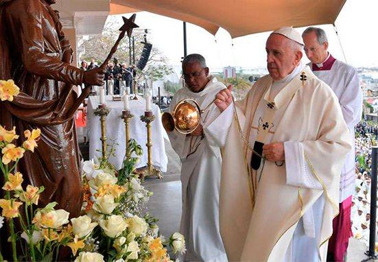 Las bienaventuranzas son el carnet de identidad del cristiano, afirma el Papa