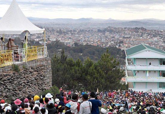 La oración por lo trabajadores que el Papa rezó en Madagascar