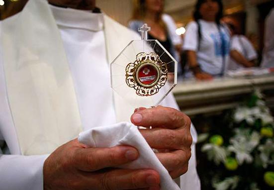 ¿Por qué los católicos veneran reliquias?
