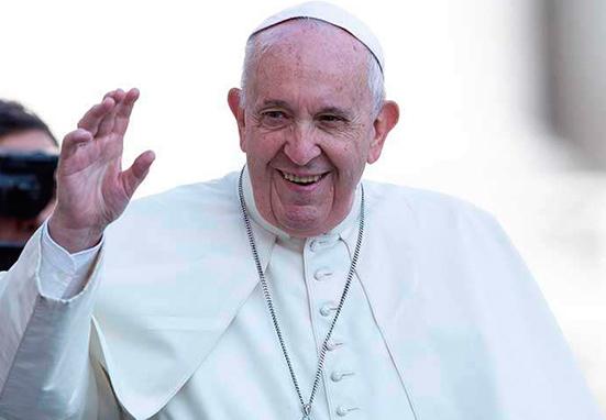 """El Papa anima a """"inculturar con delicadeza el mensaje de la fe"""""""
